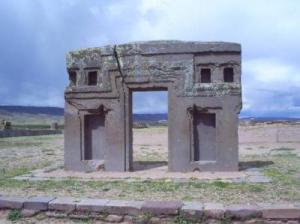 LA TEORÍA ALTERNATIVA DE ARTHUR POSNANSKY SOBRE EL ORIGEN DE TIWANAKU