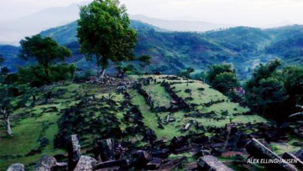 java-pyramids-indonesia