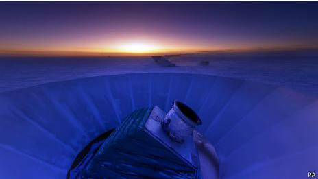 El telescopio Bicep2 en la Antártida detectó ondas gravitacionales.