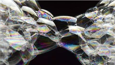 Los universos burbuja podrían estar conectados, pero recorrerlos sería bastante difícil.