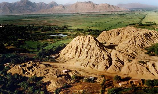 El complejo de la tumba de Huaca Rajada cerca de Sipán