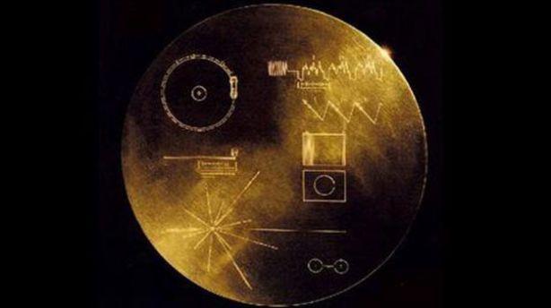 Para ser escuchados, los discos de oro a bordo del Voyager necesitan que alguien entienda cómo usar un reproductor de discos.