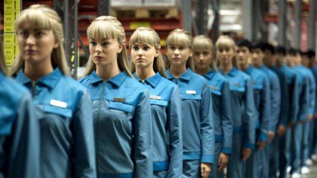 En Humans, la serie de televisión de AMC, algunas de las inteligencias artificiales tienen conciencia. Imagen: AMC