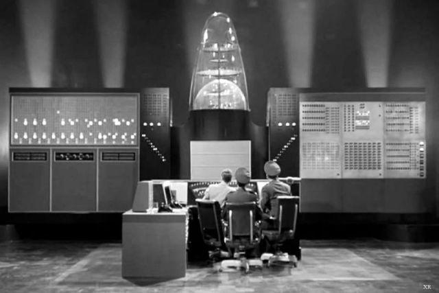 Superordenador en The Invisible Boy (1957)