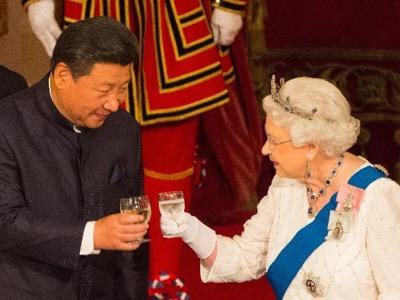 Favorable al Brexit, la reina Isabel II tiene ahora la posibilidad de reorientar su país hacia el yuan.